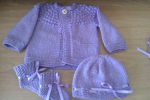 This is the 7hour sweater that i did in lavender.  Hat and booties is just improvised