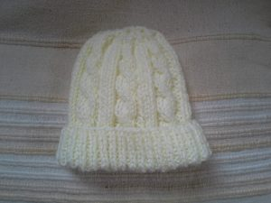 2015_13 cable baby hat
