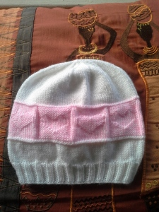 2015-41 white and pink baby hat
